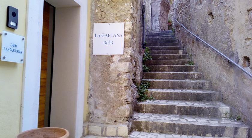 L'ingresso del Bed and Breakfast La Gaetana